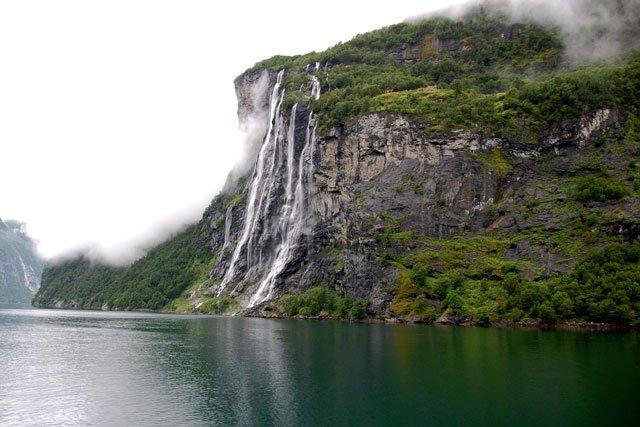 Norvège : cascade les Sept Soeurs