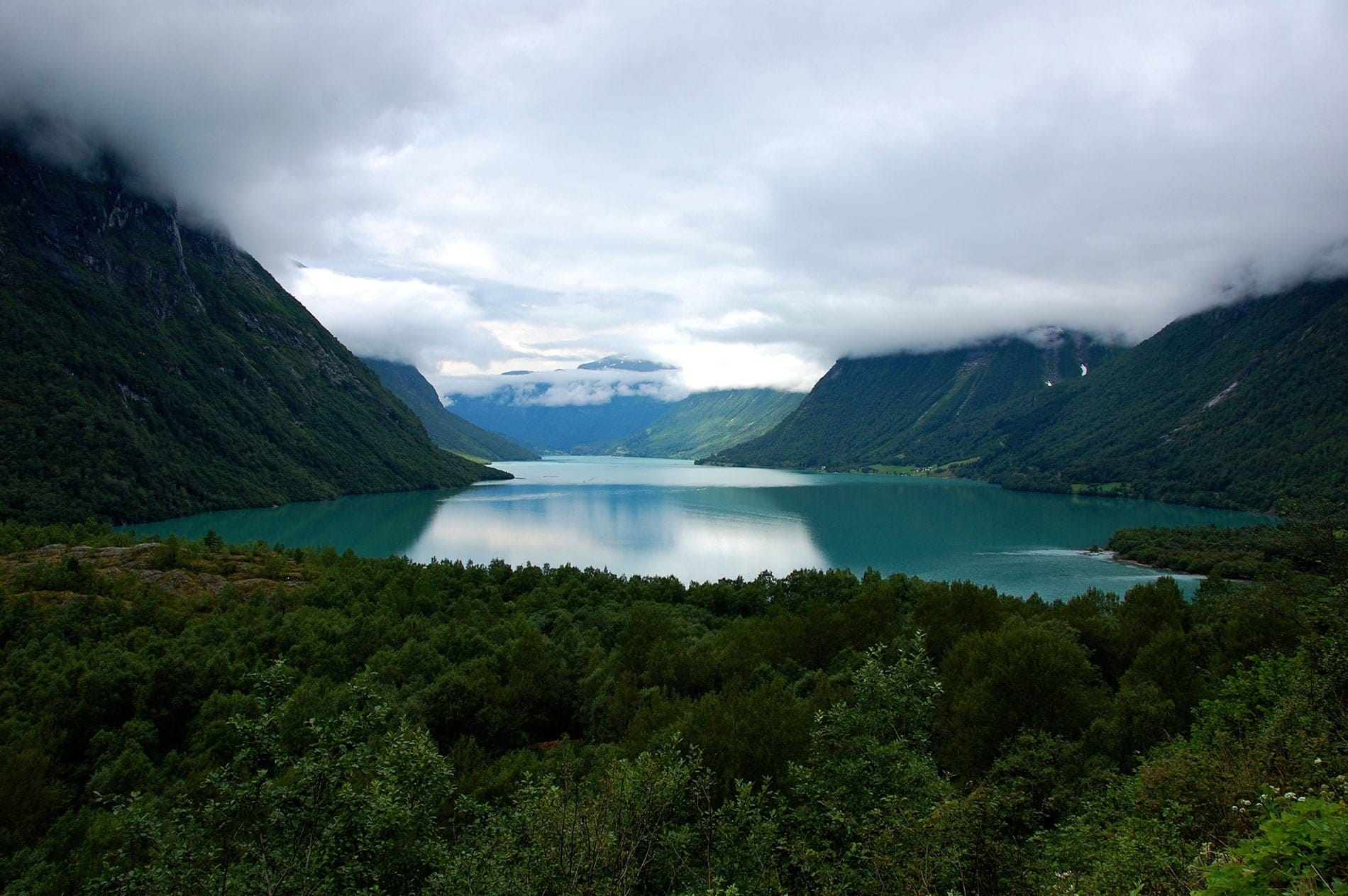 Norvège, le lac turquoise Lovatnet et l'Innvikfjord - 22 v'la Scarlett