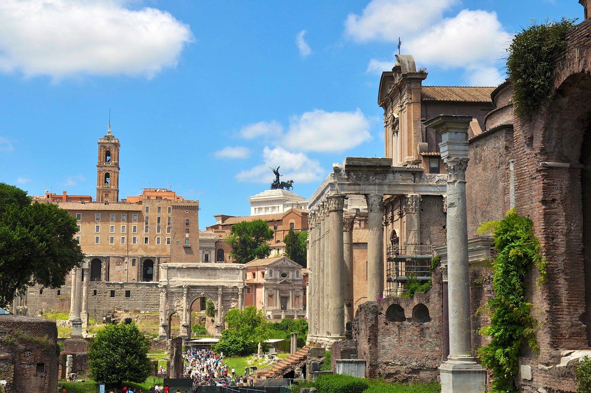 Forum romain à Rome - 22 v'la Scarlett