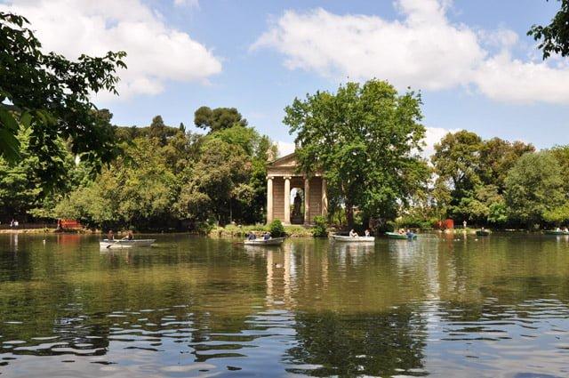 Lac de la Villa Borghese à Rome