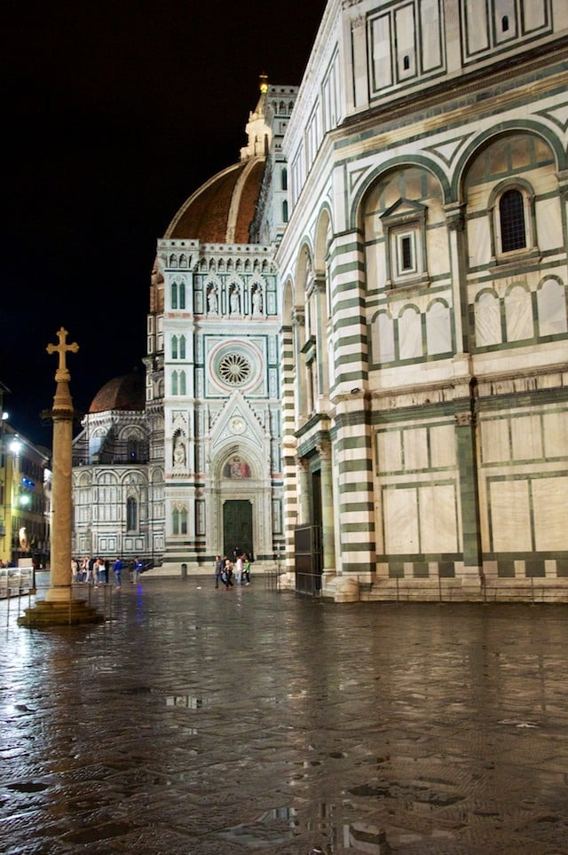 La Piazza del Duomo à Florence (Firenze) en Toscane en Italie