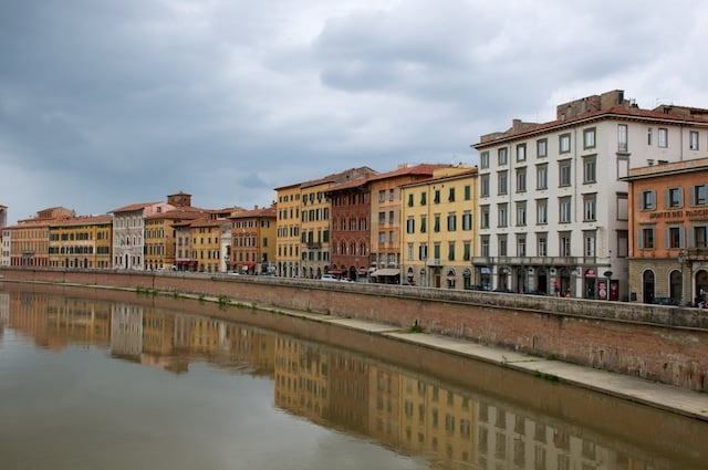 Arrivée dans la ville de Pise, Italie