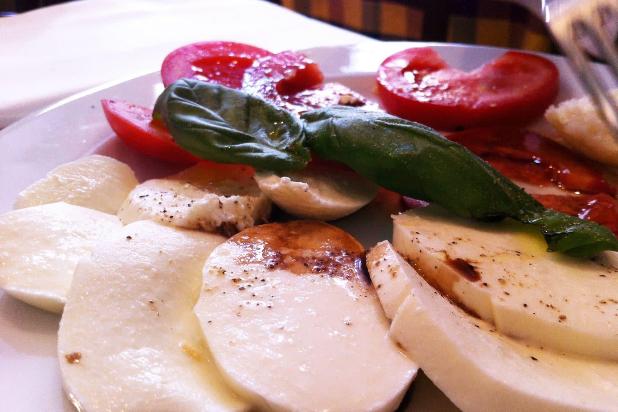 Tomates mozzarella de bufflone en Italie - 22 v'la Scarlett
