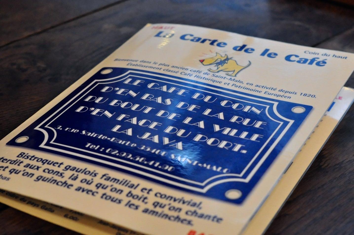 Le Café du coin d'en bas de la rue du bout de la ville d'en face du port – La Java à Saint-Malo