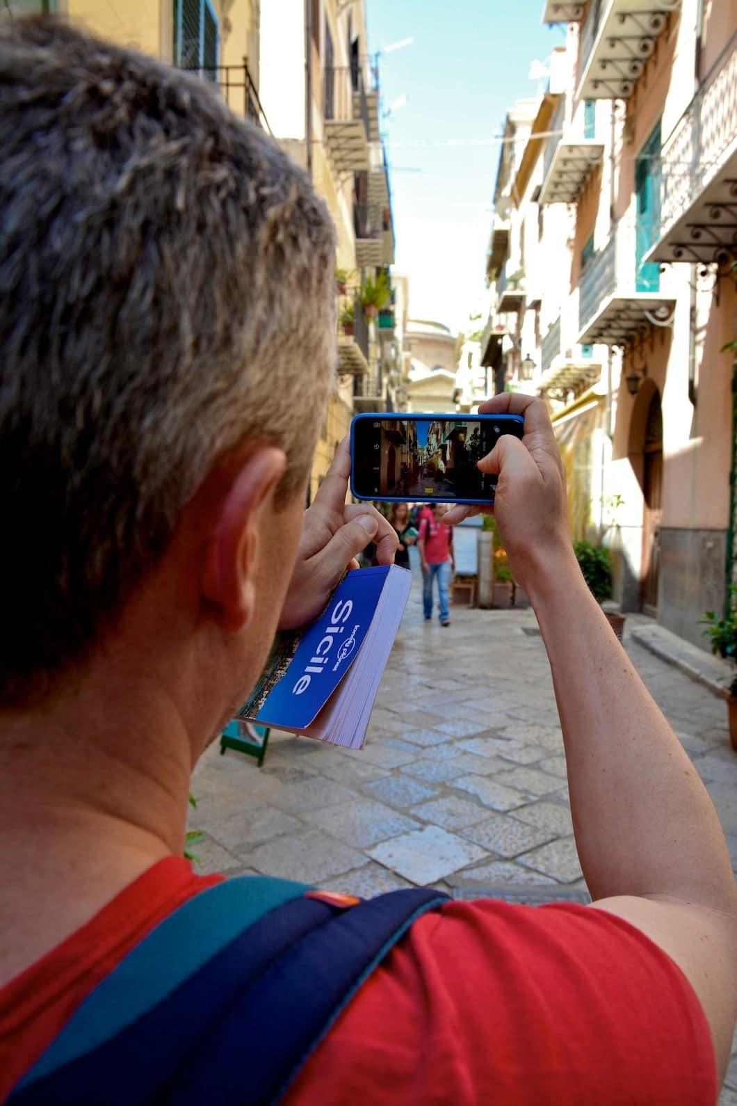 Dans le centre historique de Palerme en Sicile - 22 v'la Scarlett