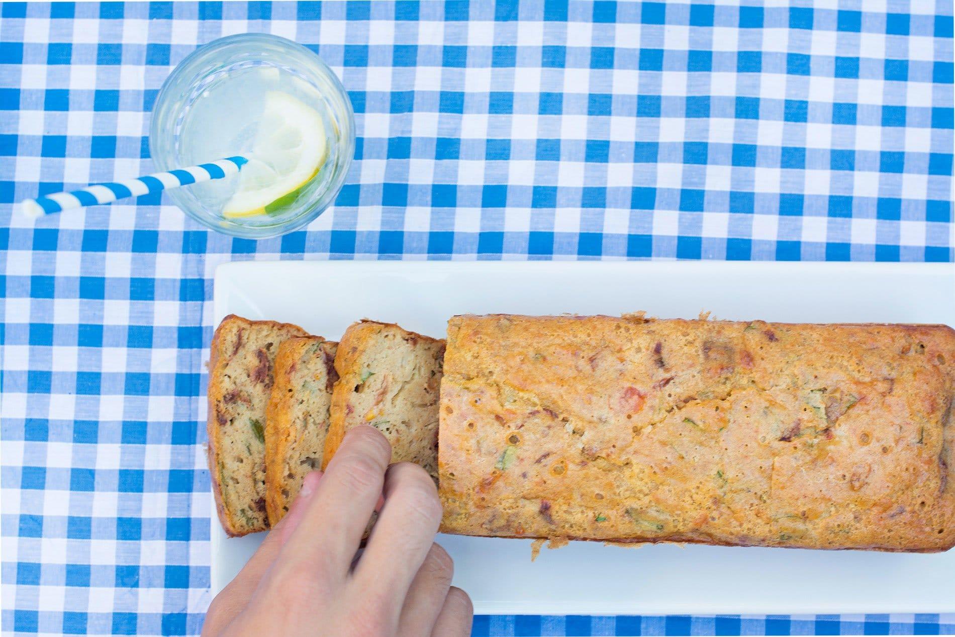 Ma recette de cake sans gluten et sans lait de vache aux tomates séchées, mozzarelle di Bufala et basilic frais - 22 v'la Scarlett