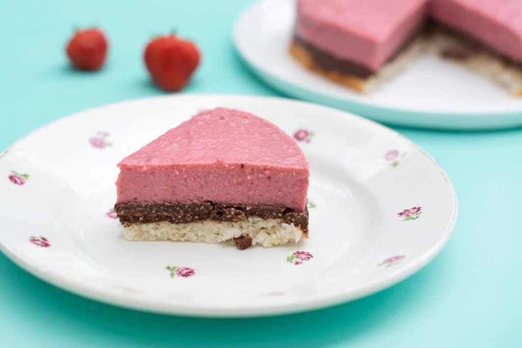 Entremet sans gluten et sans lactose au chocolat, à la noix de coco et aux fraises - Sans gluten, sans lactose