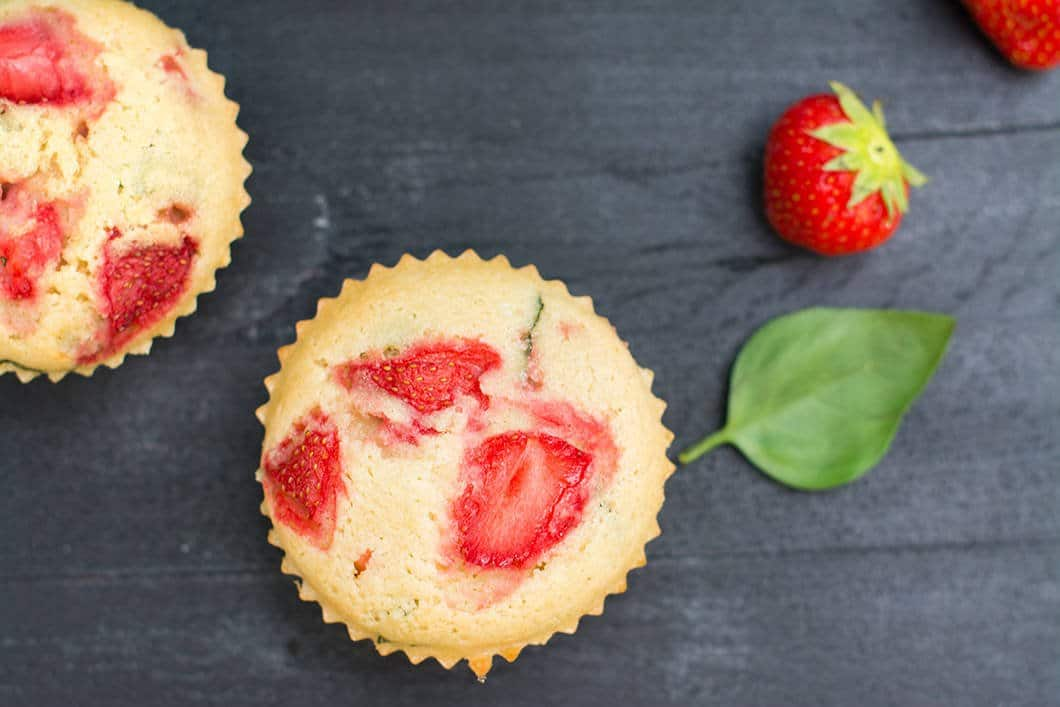 Ma recette de muffins sans gluten et sans lactose aux fraises et au basilic - 22 v'la Scarlett