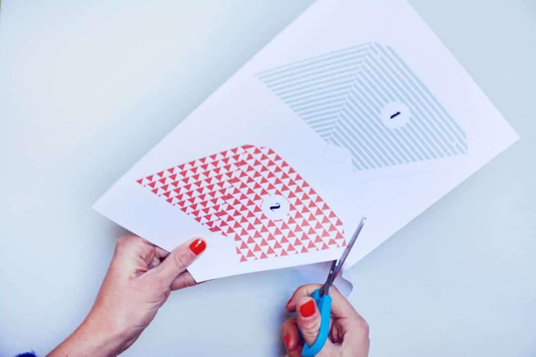 """DIY : découper le calendrier de l'Avent """"fanions"""" imprimé ! - 22 v'la Scarlett"""