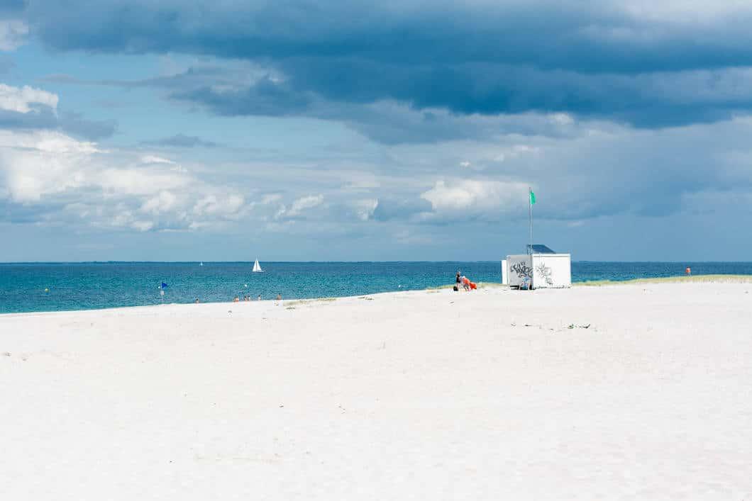 La plage des grands sables de l'île de Groix en Bretagne - 22 v'la Scarlett
