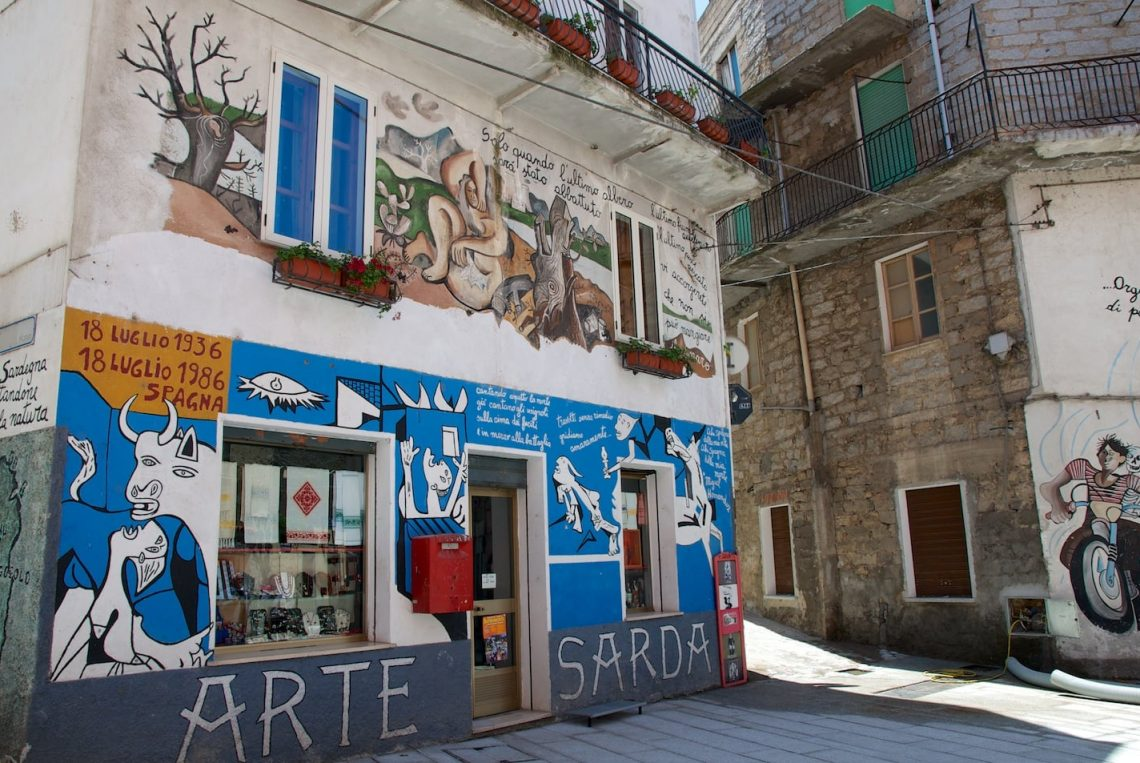 Peinture murale du village d'Orgosolo en Sardaigne