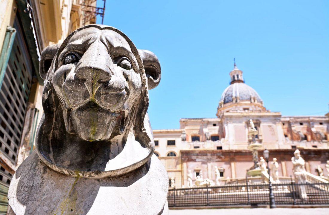 La Piazza Pretoria à Palerme en Sicile - 22 v'la Scarlett