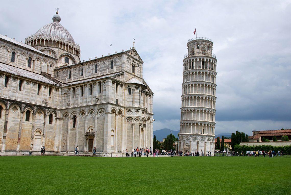 La cathédrale de Pise et la Tour de Pise en Italie - 22 v'la Scarlett
