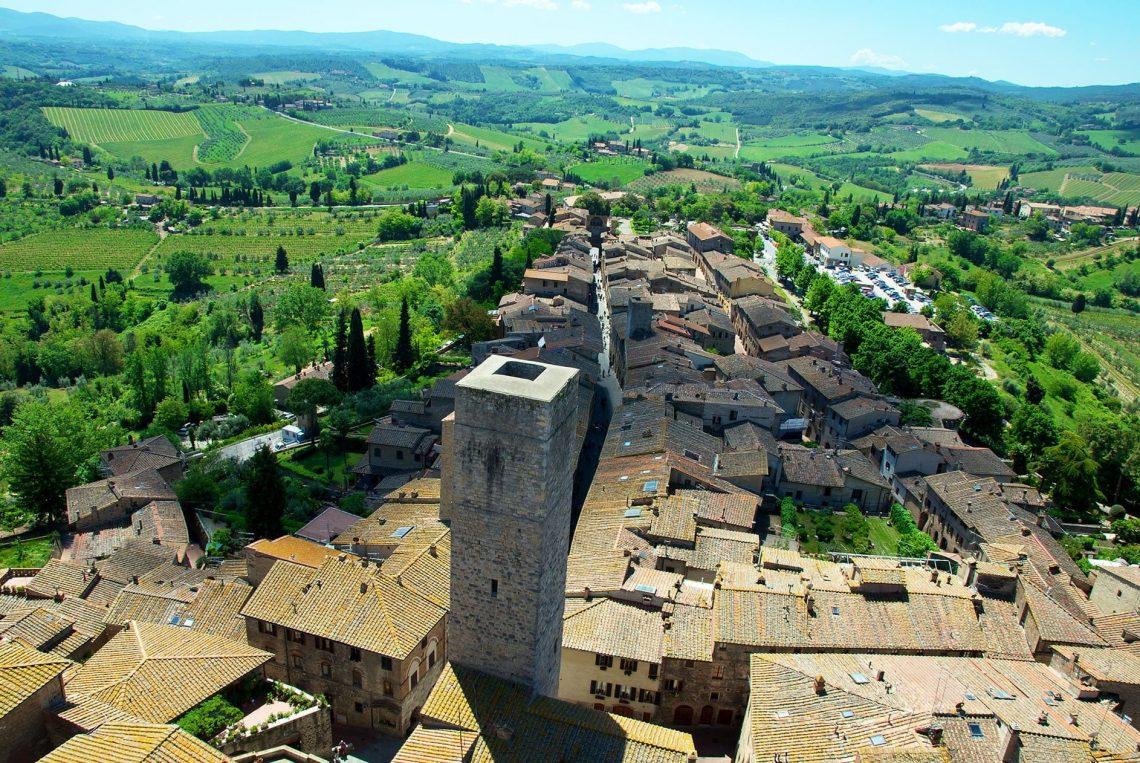 Vue sur San Gimignano en Toscane - 22 v'la Scarlett